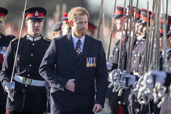 Prince Harry Photos - Prince Harry inspects the graduating officer cadets at Sandhurst during the Sovereign's parade ceremony at Royal Military Academy Sandhurst on December 15, 2017 in Camberley, England. - Prince Harry Attends the Sovereign's Parade