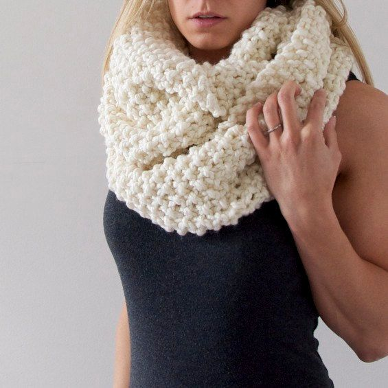 Chunky Knit Infinity Scarf in Off White by AnahareoSeasonal