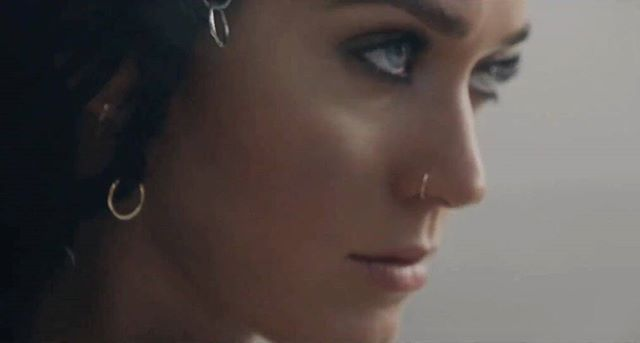 #katyperrylovers_news  #Rise has jumped one spot  on  iTunes US since the second trailer  24. Katy Perry - Rise (+1)