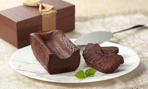 日本ギフト大賞2015 都道府県賞「東京賞」受賞商品。ドモーリ創始者のジャンルーカ・フランゾーニ自らがこのガトーショコラの為に調合したグランクリュショコラ「KEN'S」を使用しています。小麦粉を一切加えないグルテンフリーで、国産バターを贅…