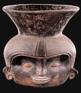 Vasija cefalomorfa  Origen: Perú  Zona cultural: Zona andina