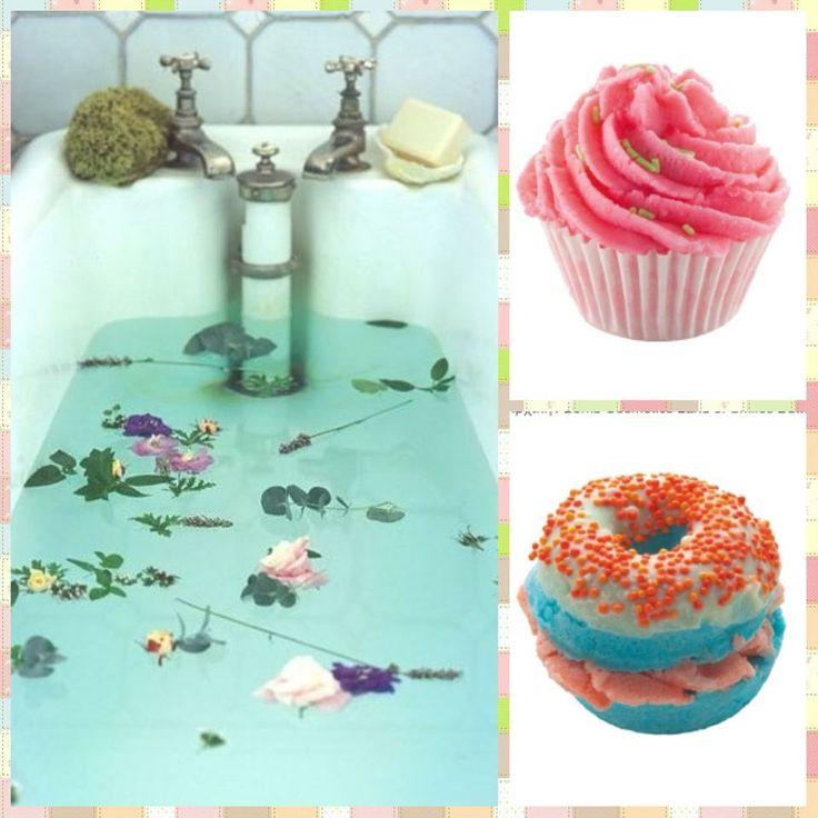 Γεμίστε χρώμα, άρωμα και θετική ενέργεια αυτή τη μουντή μέρα! Με τα λαχταριστά super fruity #buttercups και #butterloops της #BombCosmetics το μπάνιο σας θα σας μεταφέρει έστω και νοερά σ'ένα τροπικό νησί! Είστε έτοιμες για αυτό το ταξίδι;