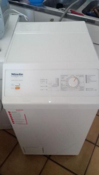 Waschmaschine Toplader - Miele- in Lübeck zu verkaufen mit Garantie!!  Lieferung, Entsorgung des Altgerätes möglich  Für weitere Informationen bitte auf das Angebot klicken - danke  http://www.ebay-kleinanzeigen.de/s-anzeige/waschmaschine-toplader-iele-vivastar-100-sehr-gut/355719720-176-419