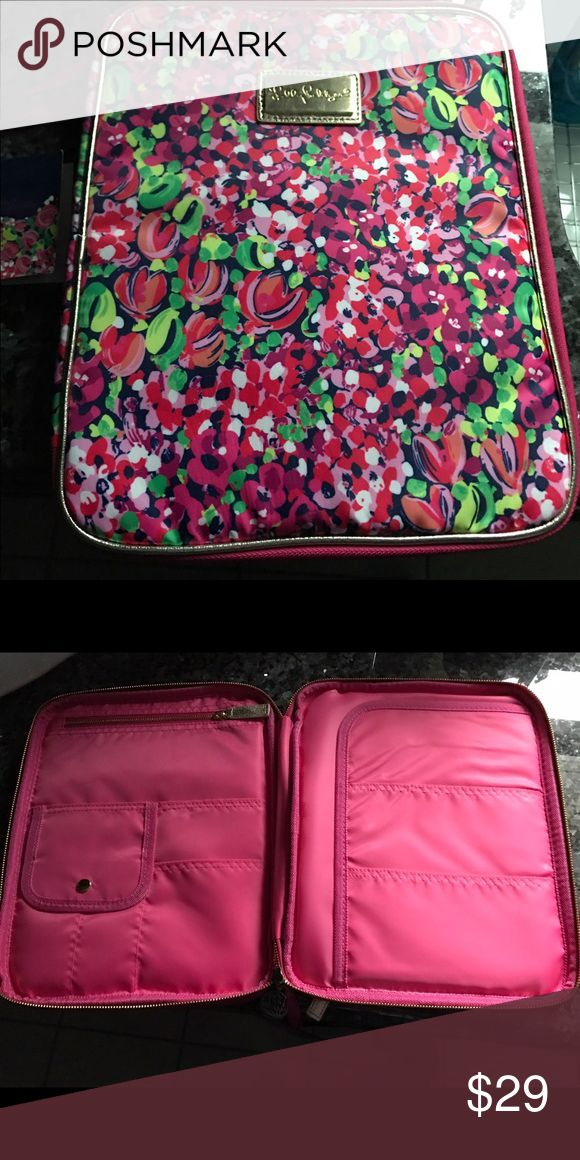 Lily Pulitzer agenda folio holds tablet too NWT Lily Pulitzer agenda folio will work as small Laptop case. Has lots of pockets to hold accessories. Can also be used for your tablet.  Nicely padded with zipper enclosure. Lilly Pulitzer Accessories Laptop Cases