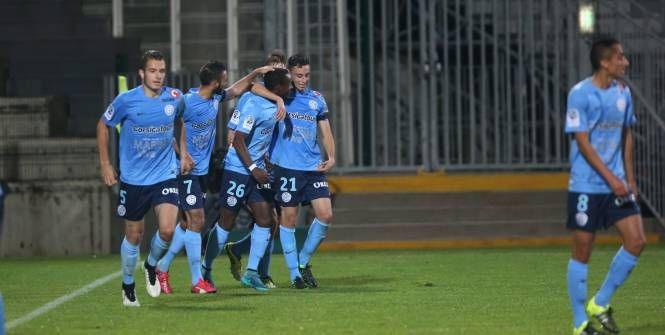 Foot - L2 - 10e j. - Fin de série pour Dijon, battu à Tours (0-1), mais qui reste leader de Ligue 2