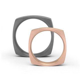 Eckige Eheringe in Roségold Titan Ringform: quadratisch eckig, innen bombiert. Dadurch entsteht ein angenehmer Tragekomfort. Breite 6mm, Oberfläche: matt