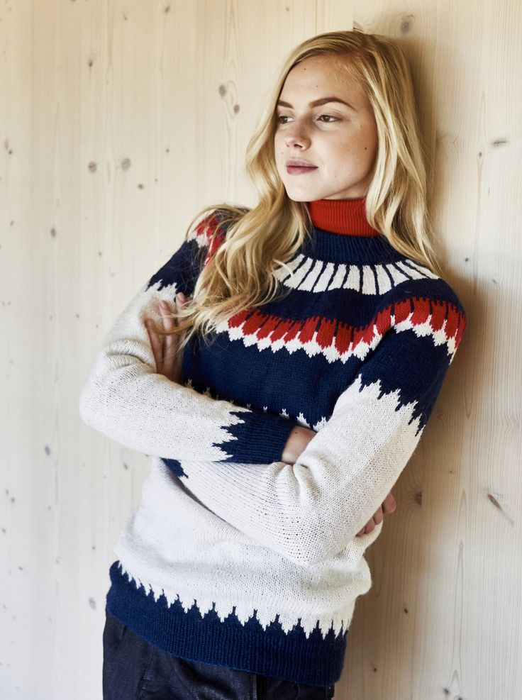Knitted sweater with a yoke for Novita, free pattern in Swedish and Finnish at Novitaknits