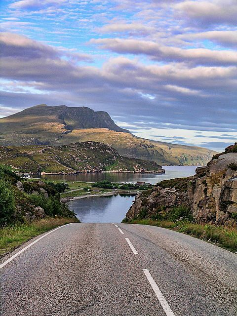 Scottish road - direct to the loch! | Let's take a #roadtrip! But first, we study: driving-tests.org