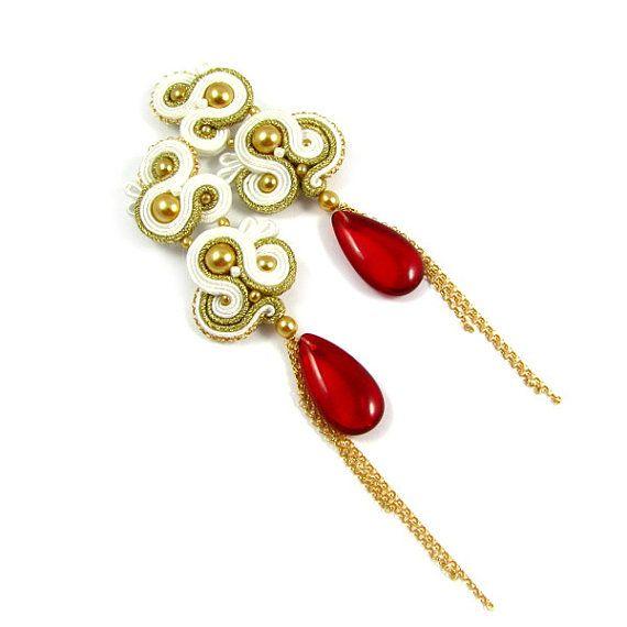 Dangle teardrop soutache earrings with pearls by byPiLLowDesign