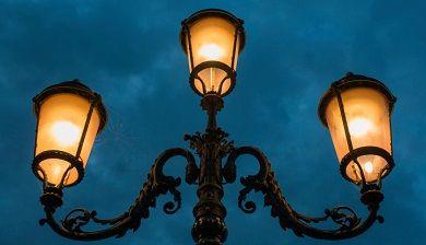 Zwart: Ontdek de rijkheid van de donkere nacht - FemNa40