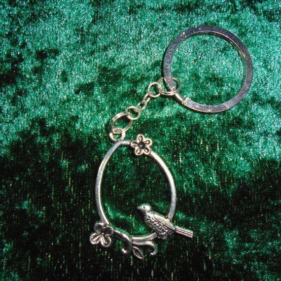 Keyring - Song Bird - Free UK P&P -  Alternative / Animal / Songbird / Flowers / Nature / Pagan / Wiccan / Spiritual / Countryside / Kitsch