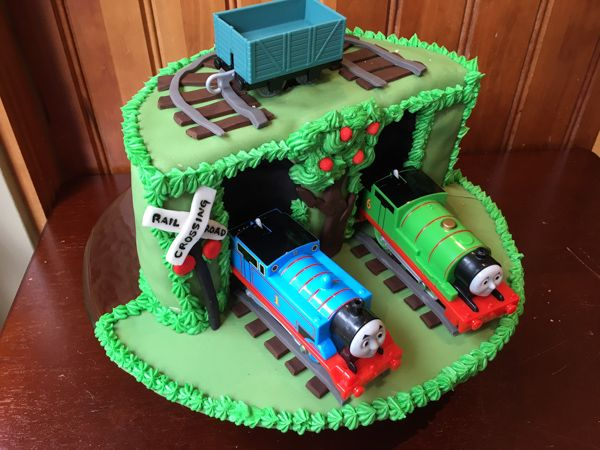 thomas the train cake ideas 17 best images about justt on happy birthday 7974