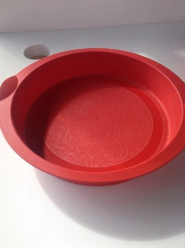 TUPPERWARE-Tupperchef-RED-ROUND-SILICONE-BAKING-FORM