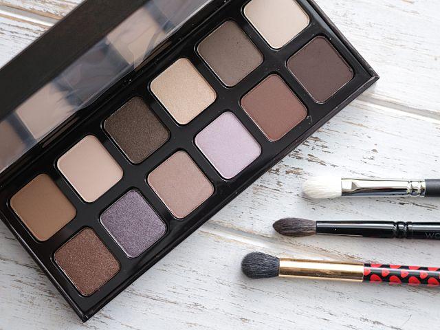 Laura Mercier Extreme Neutrals Eyeshadow Palette Review   Swatches