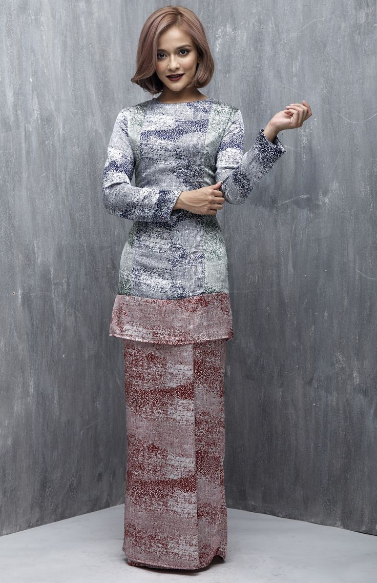 EMEL X SAZZY FALAK - SUNFLOWER STAR - Modern Colour Block Baju Kurung (Red)