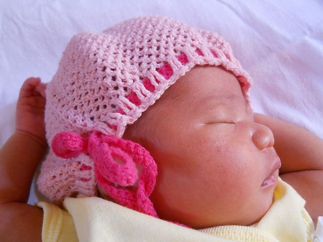 Adjustable Baby Hat: Hats Free, Adjustable Baby, Crochet Hats, Crochet Baby, Crochet Adjustable, Baby Hats Patterns, Free Patterns, Crochet Patterns,  Poke Bonnets