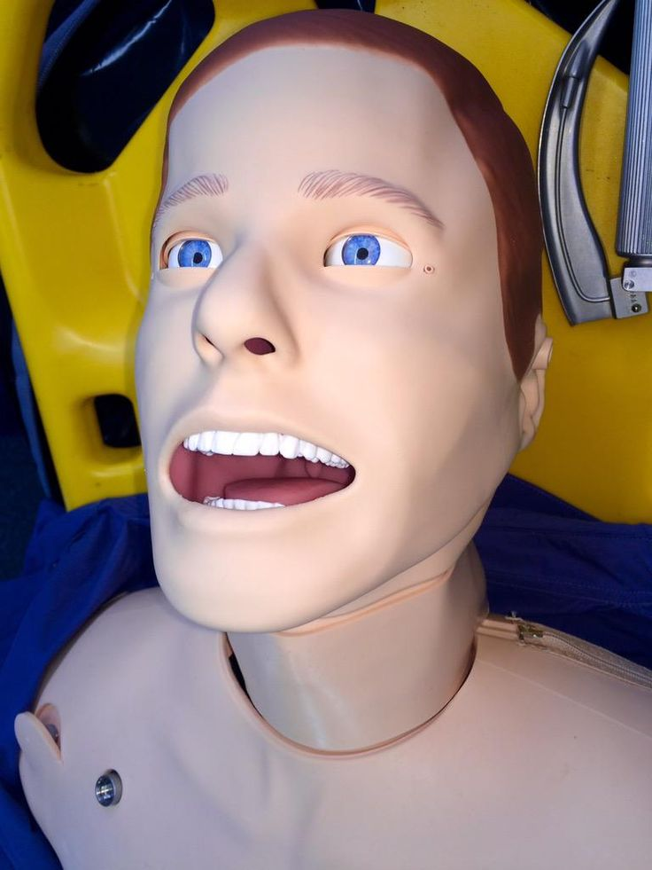 RT @simontopham This is one scary patient! Don't like it blinking at me! Training on #laerdal SimMan today @Helimed29