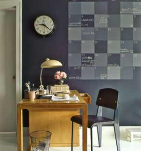 Inspiration - Get organised with a Chalkboard Paint Calendar!