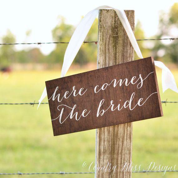 Voici le signe de la mariée, voici votre signe de la mariée, le Ring porteur signe, voici ma maman, oncle ici vient votre fiancée, en bois