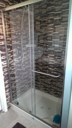 dreamline infinityz 44 in to 48 in x 72 in semiframed sliding shower door in brushed nickel