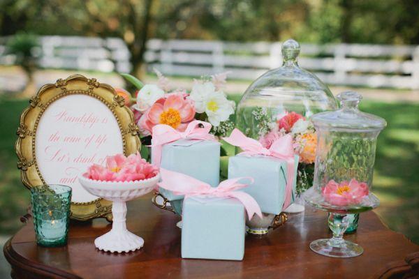 Vintage Garden Tea Party Decor | photography by http://www.kristynhogan.com