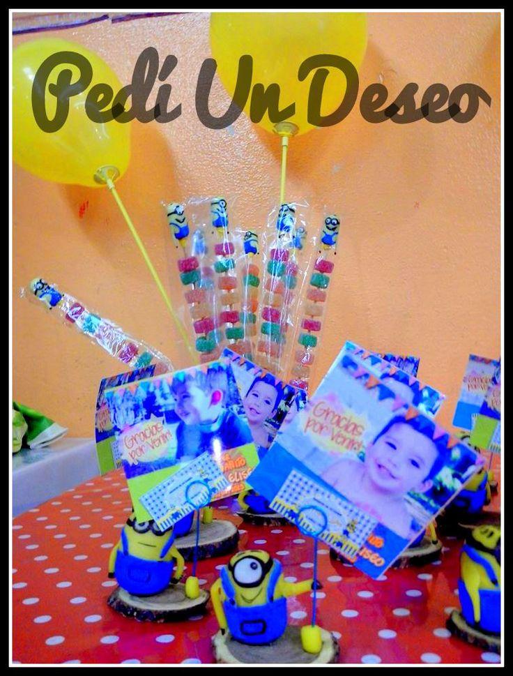 Souvenirs porta foto para los adultos, y para los peques, Souvenirs comestibles. Cumple Stefano - 3 Años - Minnions [PedíUnDeseo]
