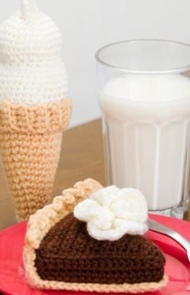 Chocolate Pie & Ice Cream Free Crochet Pattern from Red Heart Yarns