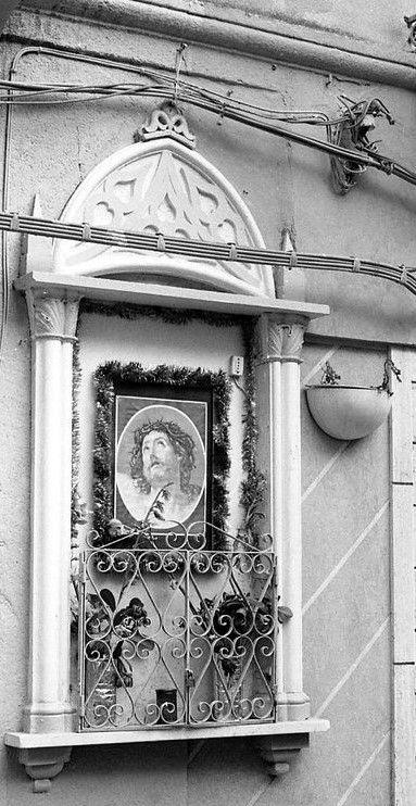 Edicola votiva in Piazza Porta  a  Palermo
