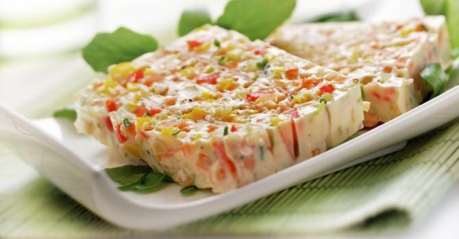 Recette de Terrine de thon légère aux légumes. Facile et rapide à réaliser, goûteuse et diététique. Ingrédients, préparation et recettes associées.