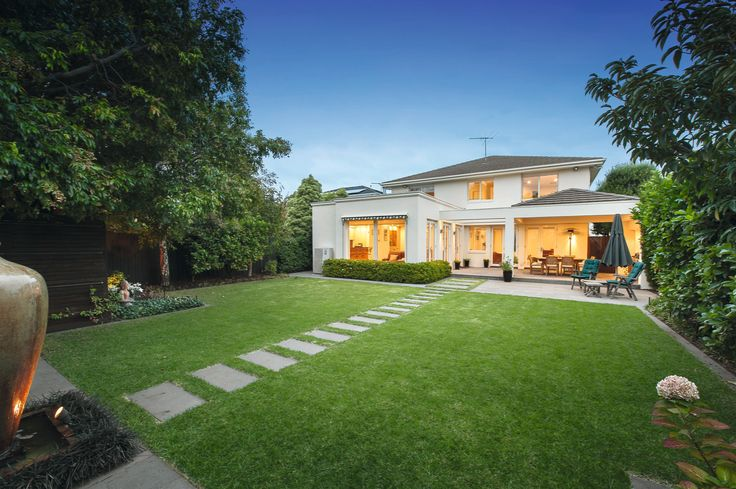 Elegant And Exclusive Spaciousness   37 Marriage Road Brighton East - Marshall White