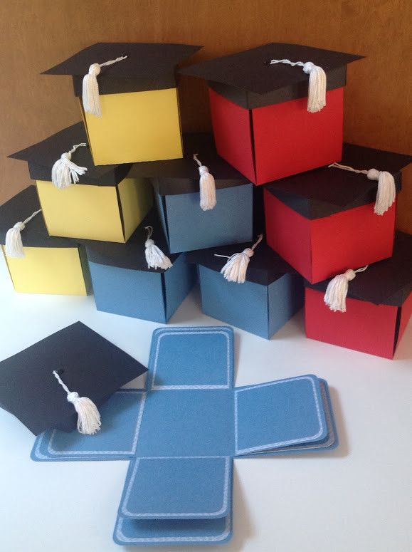This set of 10 pop-up graduation cap invitation boxes is designed with black cap and white tassel on top and comes in customers choice of color(s). When the tasseled cap is removed, 8 interior panels