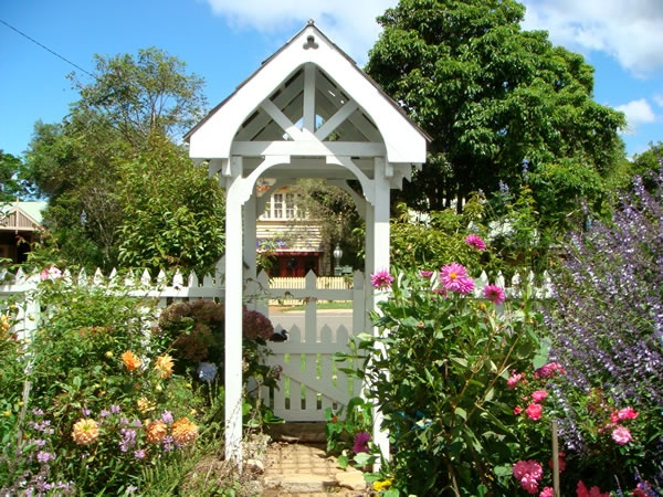 And back to the charming front gate with its white picket fence