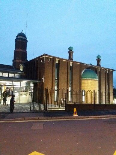 Preston Muslim Society Quwwatul Islam Masjid Peel Hall Street Preston PR1 6QQ Tel: 01772 254 578
