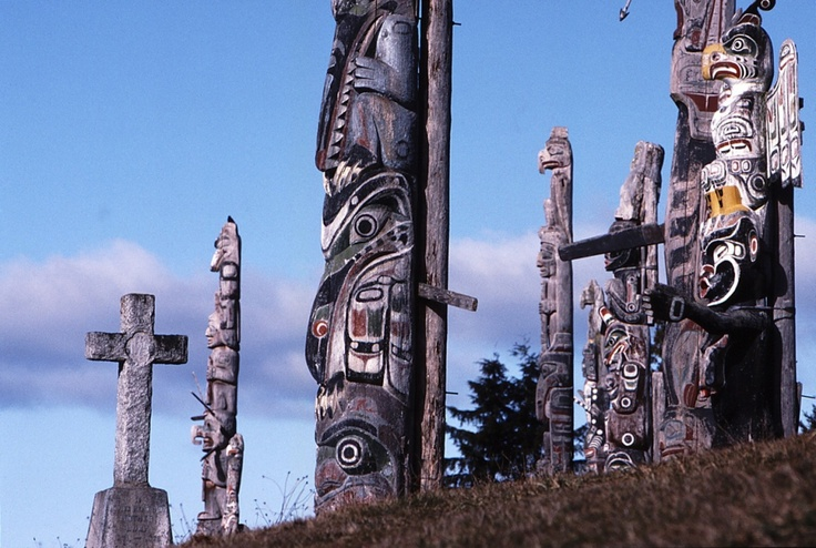 Totem poles on the 'Namgis burial ground, Alert Bay