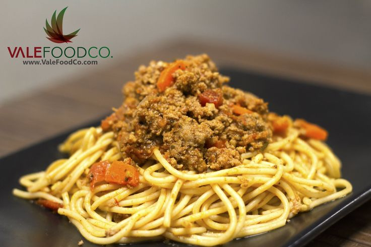 Ground beef bolognese over whole wheat linguine #healthyfood #vale #valemeals #valefoodco #tallahassee #seminoles #eatclean #mealplans #tcc #famu #nutrition #healthyliving #catering #FSU #fsufootball #health #weightloss #glutenfree #maintain