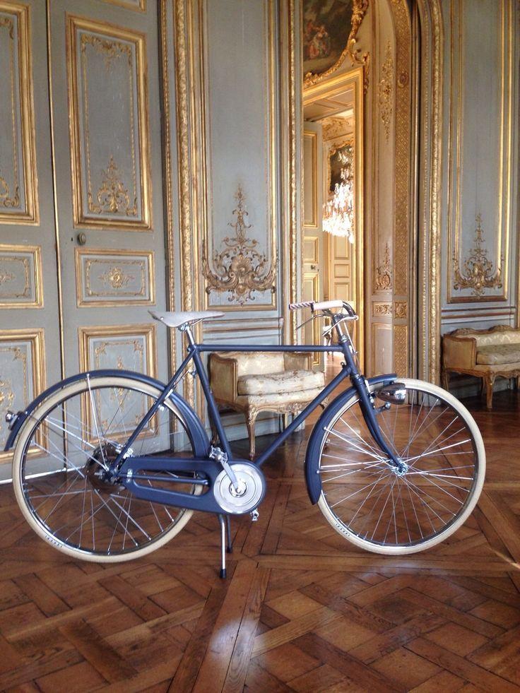 "VeloPlus, the rechargeable e-bike launched today!   Velorapida presents in Paris the VeloPlus range, the e-bike you recharge while pedaling, at the Italian Embassy on the occasion of the exclusive event ""La Création, le génie artistique italien et son caractère unique dans les métiers d'art"".  Discover more: http://www.velorapida.com/Shop/c/5/rechargeable-e-bikes  #ebike #velorapida #veloplus #luxury #design #cyclechic #bicichic"
