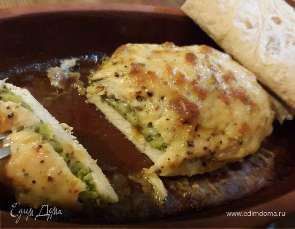 Курица запеченная с брокколи и сыром. Ингредиенты: куриные грудки, брокколи свежая, сыр