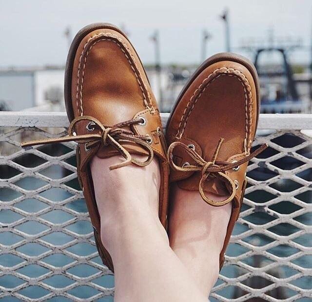 Leather Accent Tag - The Happy Boat by VIDA VIDA F5R6i4t