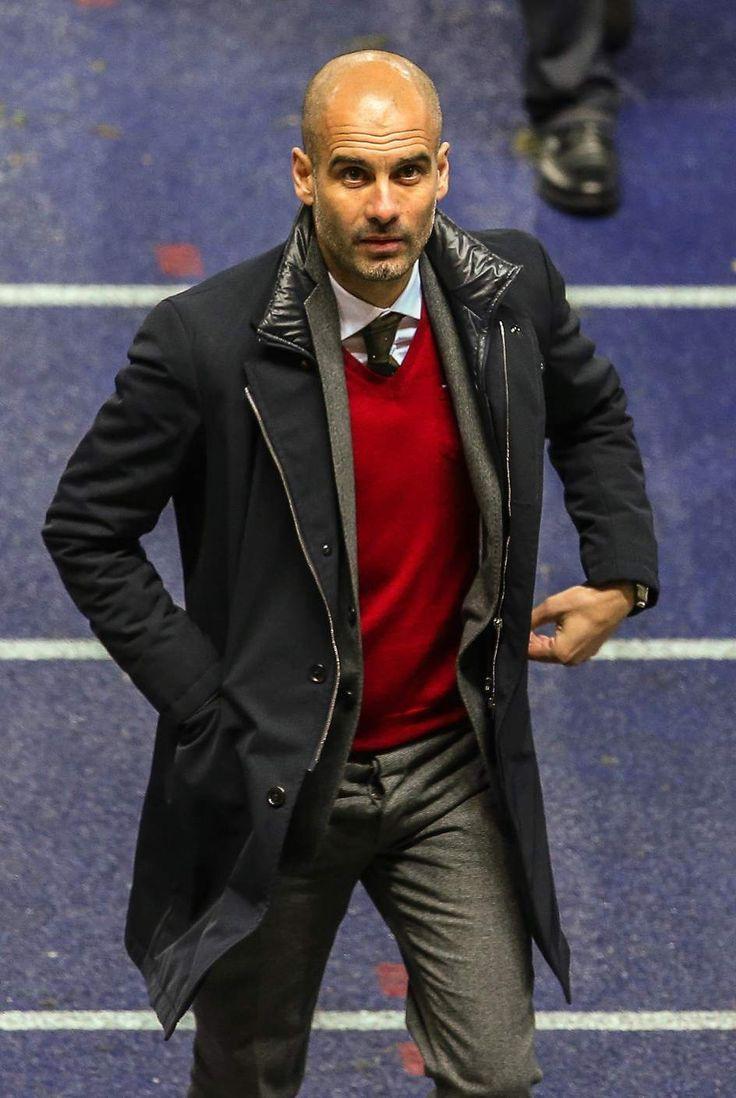 Josep Guardiola: 'Pep Guardiola' ex futbolista y entrenador español.