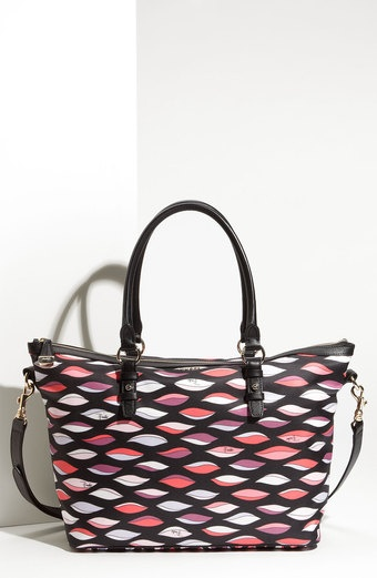 emilio-pucci-black-coral-luxor-lips-print-tote