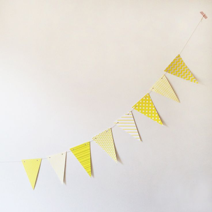 "Guirlande en papier ""motifs jaunes"" - 10-15$"