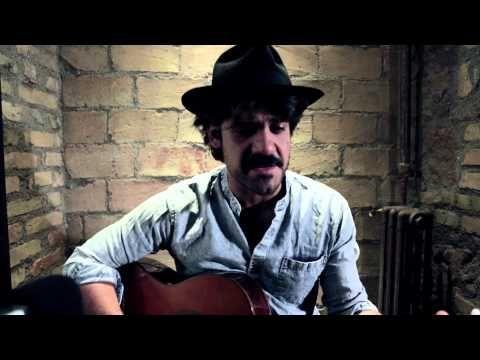 Scendi giù di Alessandro Mannarino - YouTube