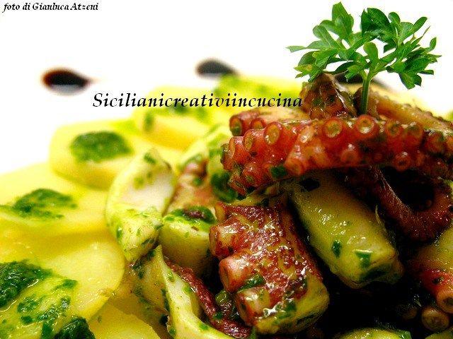 Insalata di polpo con patate e salsa al prezzemolo