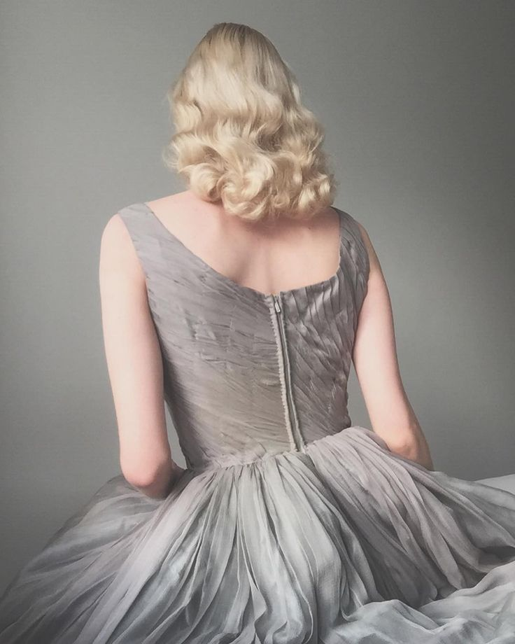 While we wait for more snow ❄️Whisper grey vintage ballet dress with pleated bodice  . . #1940s #vintage #vintageballet #balletdress #vintagedress#vintagehair #dreamy #truevintage #truevintageootd