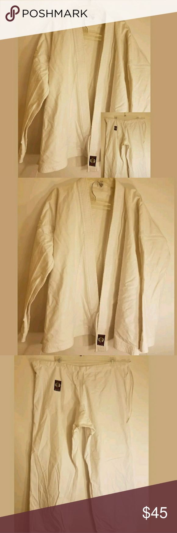 """Men's Sz 6 white martial arts uniform Centrum Iron Men's Sz 6 white martial arts uniform Centrum Iron Man  Top: Underarm to Underarm about 31"""" Length about 31"""" Sleeves about 21""""  Bottom: Inseam about 33"""" Outseam about 43"""" Other"""