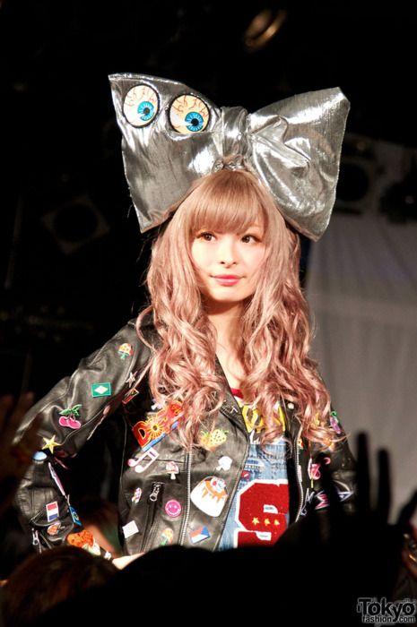 Kyary Pamyu Pamyu~~♥♪♫ Japanese music & fashion icon--!☆★☆ kawaii fashion. . .giant bow. . .eyeballs. . .leather jacket