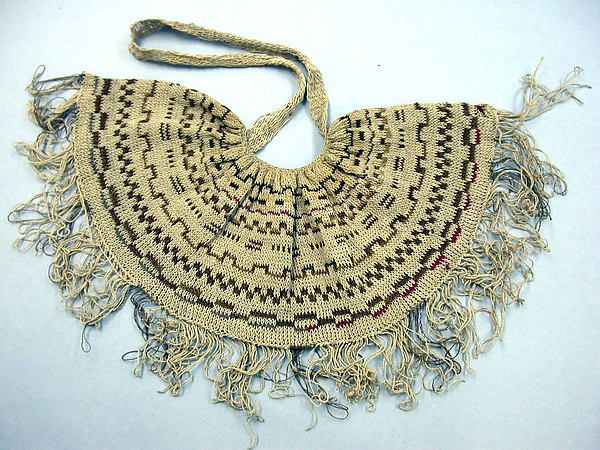String Bag (Bilum) from early to mid 20th century. Part of the Met Museum collection
