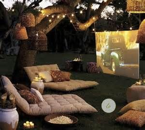 So0o comfy! movie night with the hubs & fam would be perfect like this during the winter or when we move to Cali!