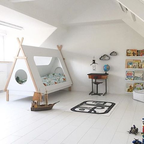 We love this cool kidsroom with our Tipi bed! Credits: @nynkekijkt #woood #tipi #tipicollectie #wigwam #kidsroom #kinderkamer