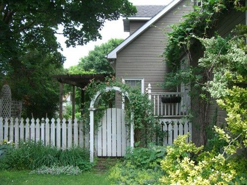 Love picket fences